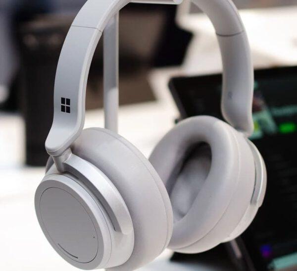 Microsoft Surface Headphones 2 (Light Gray) ausinės - Pažangesnis būdas klausytis